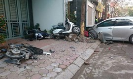 3 dead as car crashes into motorbike in Hanoi
