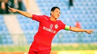 Becamex Binh Duong striker Anh Duc celebrates a score against Jeonbuk Hyundai Motors in Binh Duong on April 6. Photo: Kha Hoa