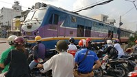 Vietnam launches temporary train service after collapse of rail bridge