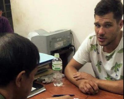Russian man arrested for stealing phone at Ho Chi Minh City restaurant