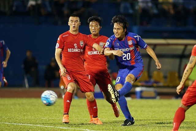 FC Tokyo's Ryoichi Maeda scores a goal in an AFC Champions League match with Becamex Binh Duong on May 4, 2016. Photo: Doc Lap/Thanh Nien