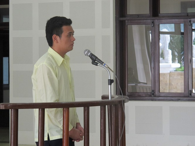 Tran Hong Hieu, 22, stands trial in Da Nang on May 18, 2016. Photo: Nguyen Tu/Thanh Nien