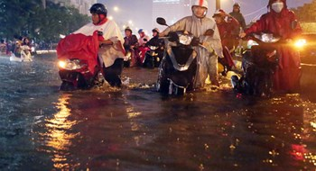 A flooded street in Ho Chi Minh City. Photo: Dao Ngoc Thach