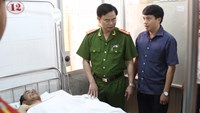 Lieutenant Nguyen Quoc Nam is being treated at the Dak Lak General Hospital. Photo credit: Dan Tri