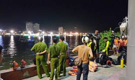 Searching continues as tourism boat capsizes in Da Nang