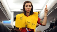 Vietnam official fined for damaging life vest bag on plane