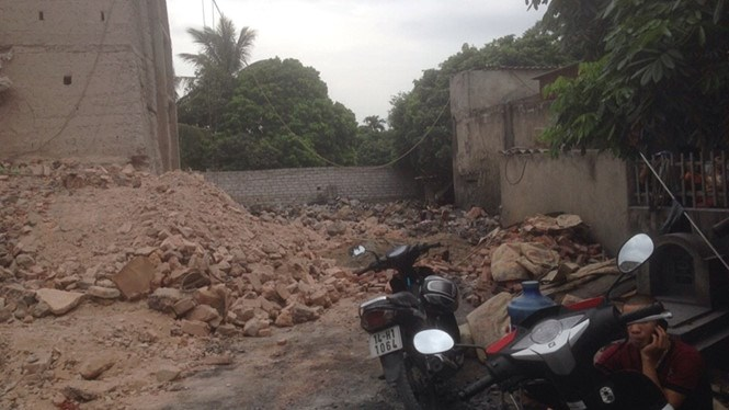 Rubble from the lime kiln in Hai Duong Province that collapsed on July 3. Photo: Thanh Nien
