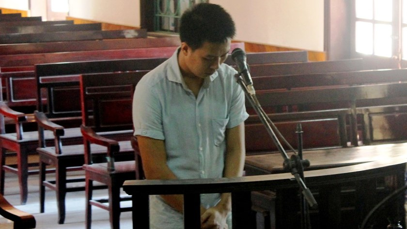 Nguyen Tien Quan stands the trial on Thursday. Photo credit: Van Dinh/Tuoi Tre