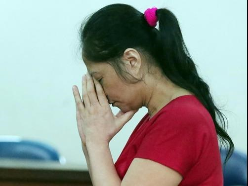 Truong Thi Tuyet Nga stands trial in Ho Chi Minh City on July 26, 2016. Photo: Dao Ngoc Thach