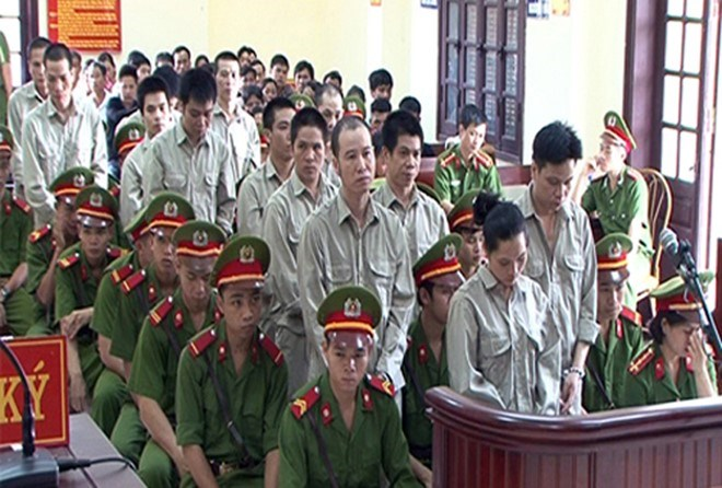 13 defendants stand trial in Lang Son Province on August 9. Photo credit: Zing News