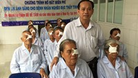 Poor patients in a charity cataract operation program at Can Tho Central General Hospital. Photo: Dinh Tuyen