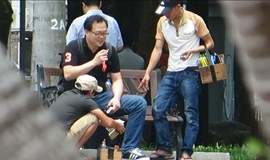 Shoeshine scammers target foreign tourists in downtown HCMC