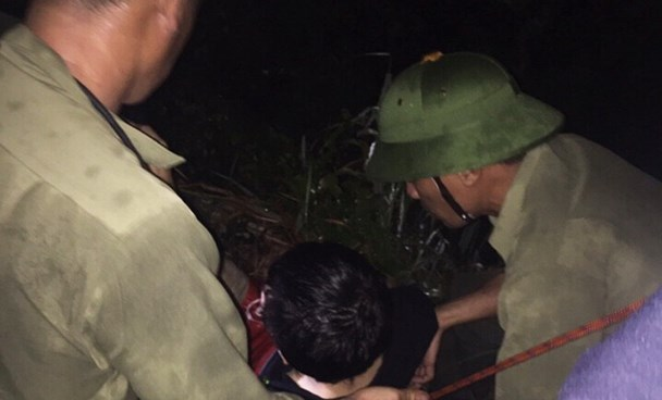 Tran Quang Dac, 29, was rescued after falling off a cliff at the Yen Tu Mount on September 3. Photo credit: Quang Ninh Online