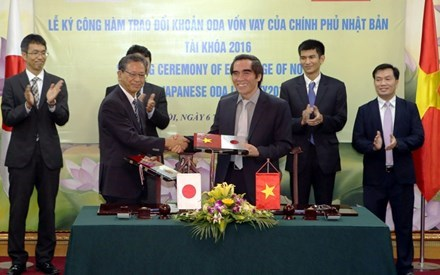 Japanese ambassador to Vietnam Hiroshi Fukada and Deputy Minister of Planning and Investment Nguyen Van Trung signed the agreement on September 6.