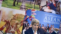 US Secretary of State John Kerry talks about Fulbright University during an event at the American Center at the US Embassy in Hanoi, Vietnam, August 7, 2015. Photo: Reuters