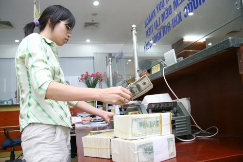 High liquidity likely to pull down loan interest rates in Vietnam