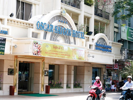 Business hotel Oscar Saigon Hotel, located in Ho Chi Minh City's District 1, has its license expired in 2009 but missed the deadline on Februar 1 to re-register.