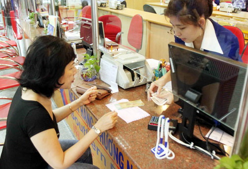 Analysts call for further increase in bank foreign ownership limit