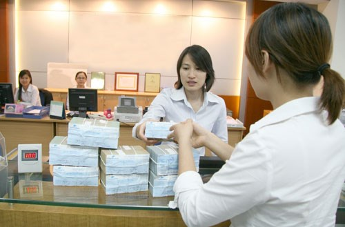 Vietnam central bank relaxes bank bad-debt rules
