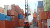 Vietnam trade surplus climbs to 4-year high of over $1 bln