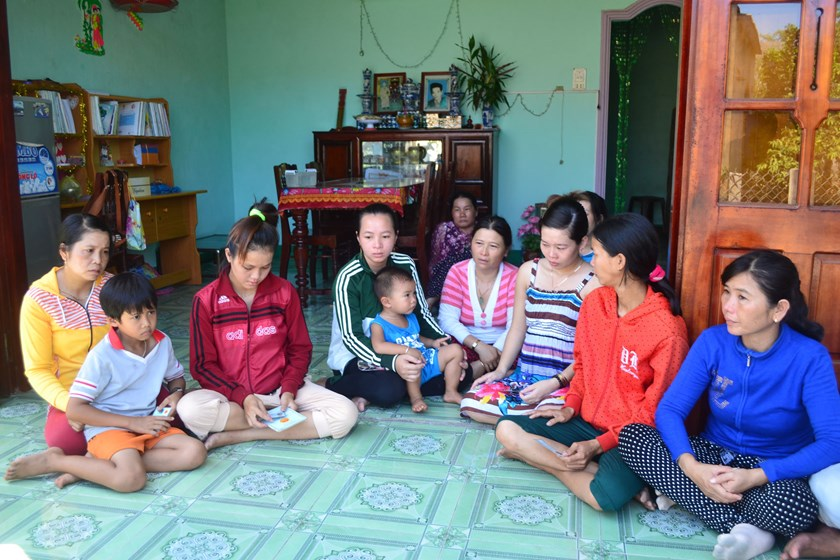 The wives of the six fishermen in Quang Ngai Province are spending anxious days waiting for news of their husbands who have been detained by China since July 3, 2014. Photo: Hien Cu
