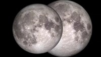 "Star-gazers await ""supermoon"""