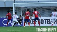 Lee Jeong Bin scores the first goal for South Korea in the AFC U19 Championships match against Vietnam in Myanmar on October 9, 2014. Photo: Doc Lap