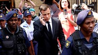 "Sentencing hearing begins for ""broken man"" Pistorius"