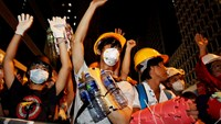 Hong Kong police, protesters face-off