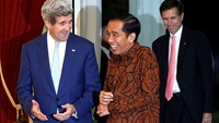 U.S. John Kerry meets new Indonesian President Joko Widodo