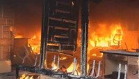 Protesters torch town hall over missing Mexican students