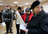 Rebel stronghold tightens security ahead of Ukrainian election