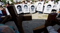 Parents of missing students march in Mexico