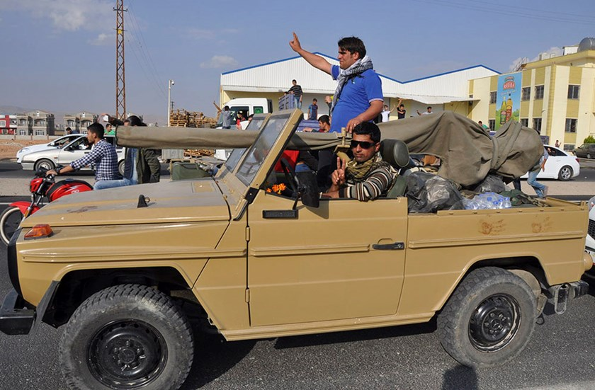 Iraqi peshmerga fighters approach Kobani, ready for battle