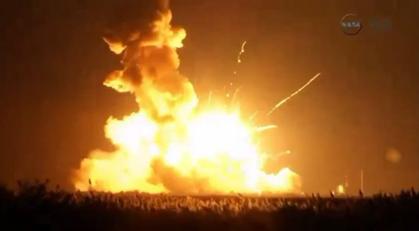 An unmanned Antares rocket is seen exploding seconds after lift off from a commercial launch pad in this still image from video shot by Matthew Travis of Zero-G News from the press area at Wallops Island, Virginia October 28, 2014. Photo: Reuters/Matthew