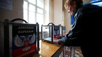 Eastern Ukraine prepares for election, leader says vote will give legitimacy