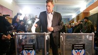 Rebel leader votes in east Ukraine