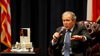 """George W. Bush says he """"wanted Dad to be alive"""" to read biography"""