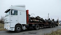 First truckload of wreckage from MH17 removed from crash site