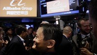 Alibaba sells $8B of bonds in debut sale