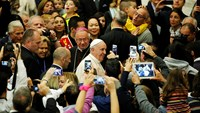 Pope Francis leads prayer to end isolation, stigma of autism