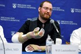 Double-arm transplant recipient thanks doctors in Boston