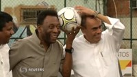 Soccer great Pele in intensive care, condition improving -hospital