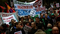 Thousands stage anti-government protest in Madrid