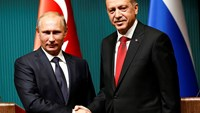 Erdogan greets Putin with welcome ceremony