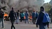 Chilean fishermen clash with police over 2015 quotas