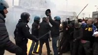 Clashes as Italian unions strike over Renzi labor reforms