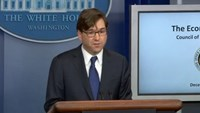 """Russian economy """"on the brink of crisis"""" - White House economic adviser"""