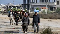 Forty-eight hour battle for two Syrian bases leaves 180 dead