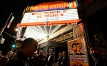 "Theaters begin delaying screenings of ""The Interview"" amid threats"